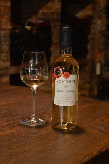 Ryzlink vlašský pozdní sběr 2015 - suché - Víno Rovenius