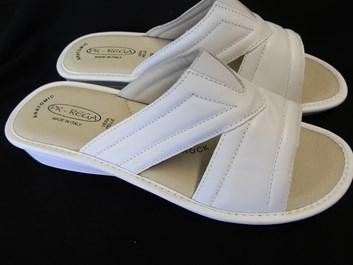 Zdravotní pantofle  PK-REGA 39,40 bílé